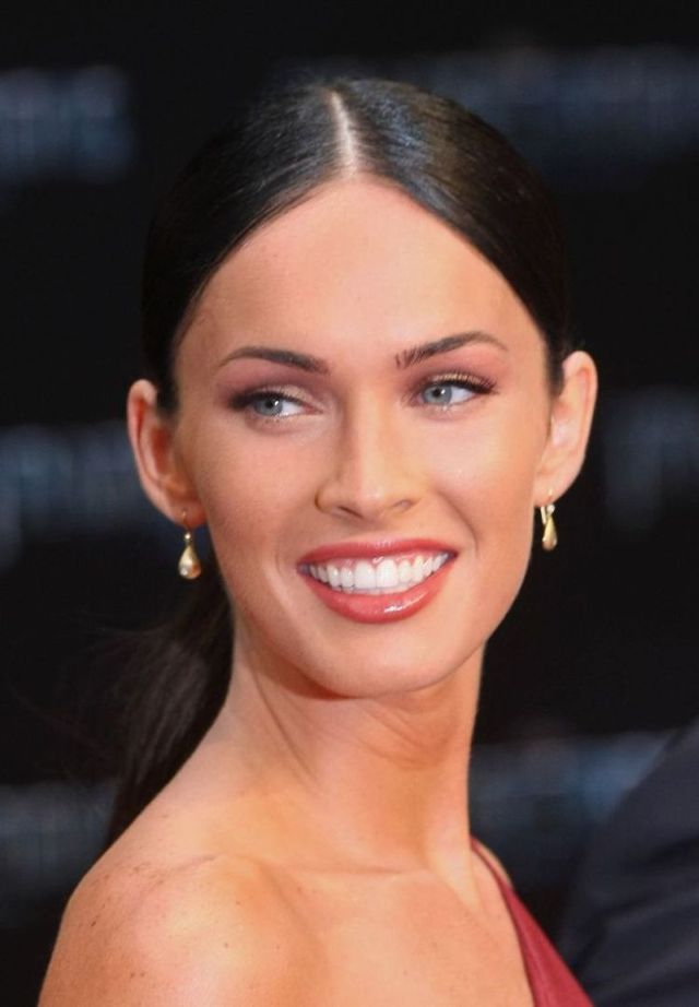 megan fox transformers 2 premiere. megan fox transformers 2 white