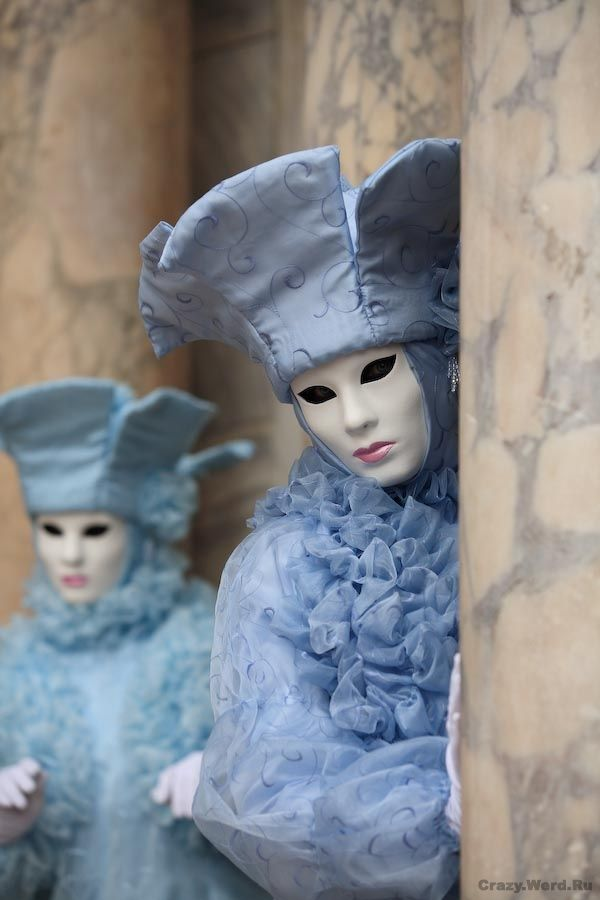 Nice collection of venetian masks (37 pics)