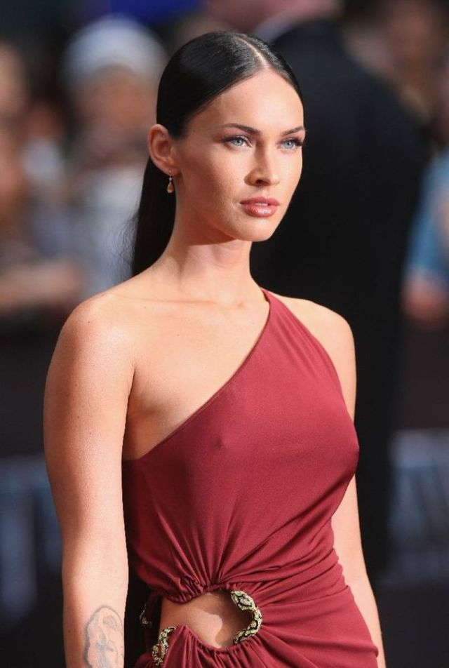 Megan Fox at the Berlin premiere of Transformers 2 (22 ...