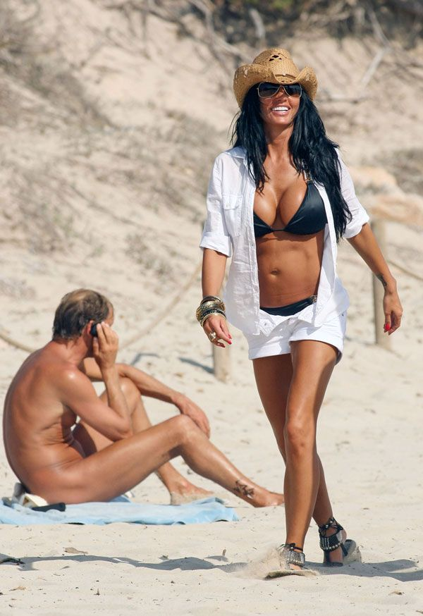 Katie Price in bikini (6 pics)