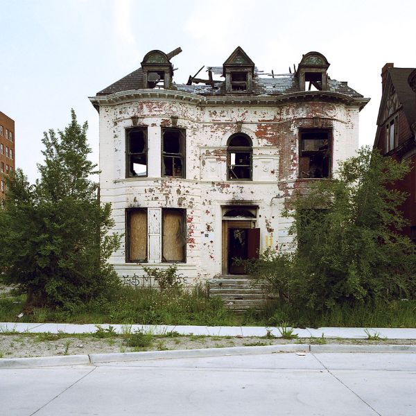 Beautiful pictures of abandoned places in Detroit (28 pics)
