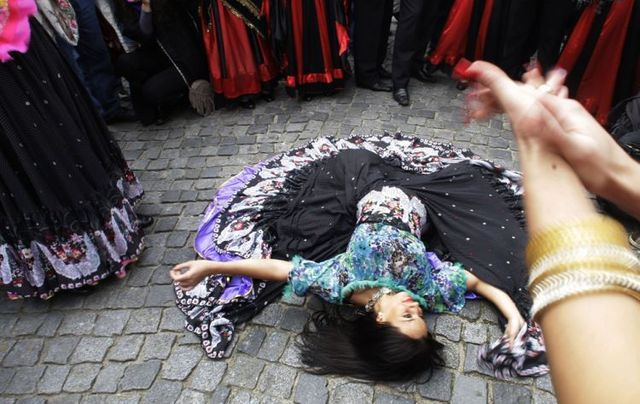 Dance all over the world (39 pics)