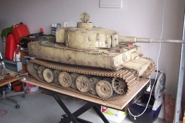 Mini tank. Nice work! (4 pics)