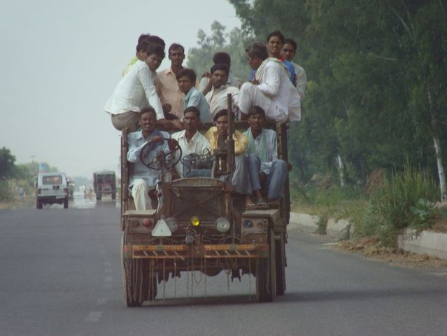 Only in India (72 pics)