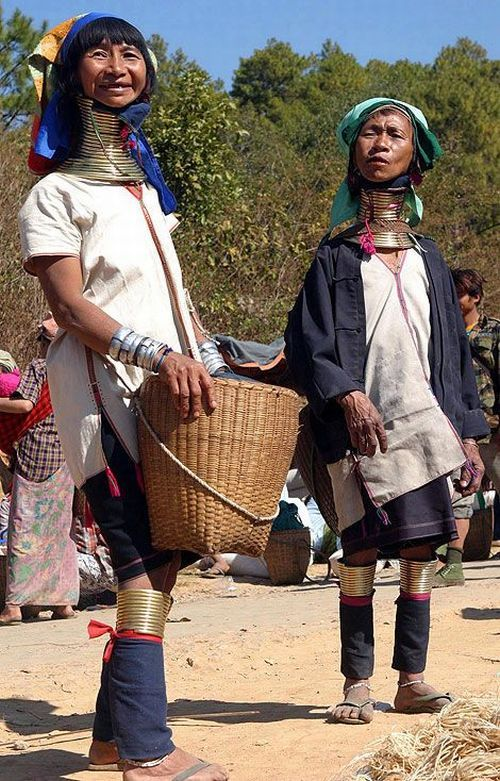 Padaung. Long-neck women (35 pics)