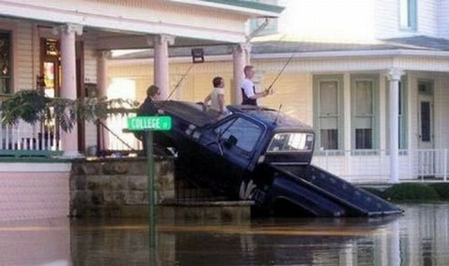 Flooding is not a reason to be upset ;) (36 photos)
