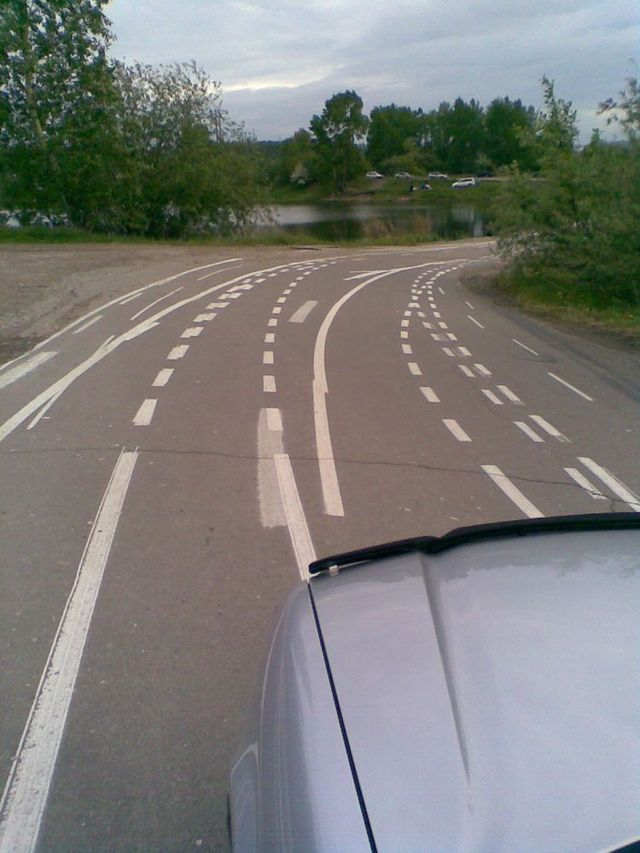 Failed road markings (6 pics)