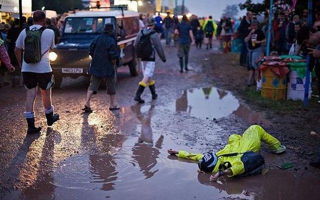 Glastonbury Festival 2009 (34 pics)