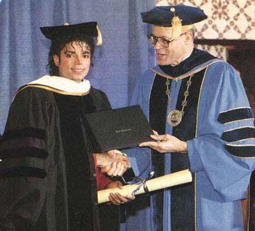 Michael Jackson, the legend (139 pics +3 videos)