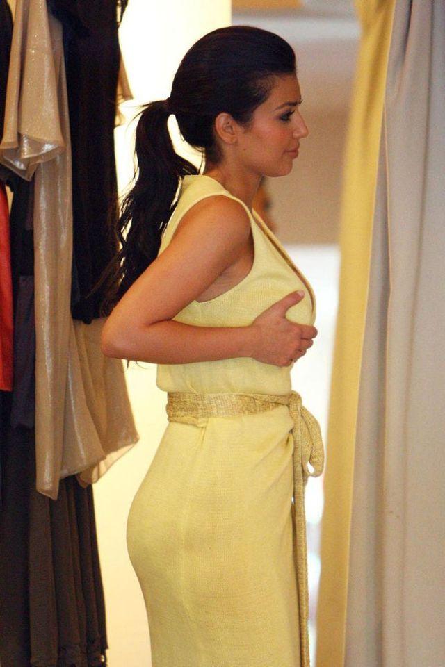 Kim Kardashian shopping (19 pics)