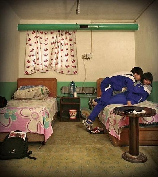 The story of one hotel room in China (19 pics)