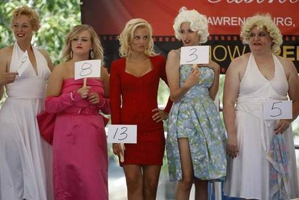 Marilyn Monroe Look-A-Like contest in the Hollywood Casino (17 pics)