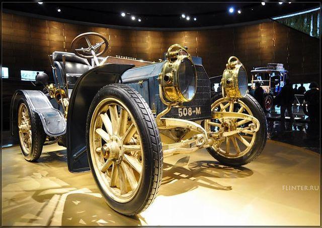 Automobile museums in Stuttgart (64 pics)