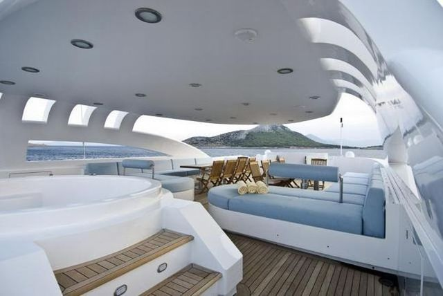 The interiors of luxury yachts (29 pics)