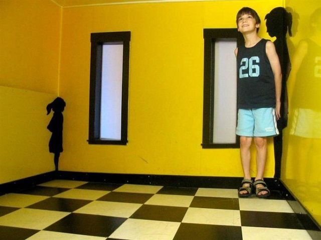 Adelbert Ames Room 7 Secret of The Ames Room 8