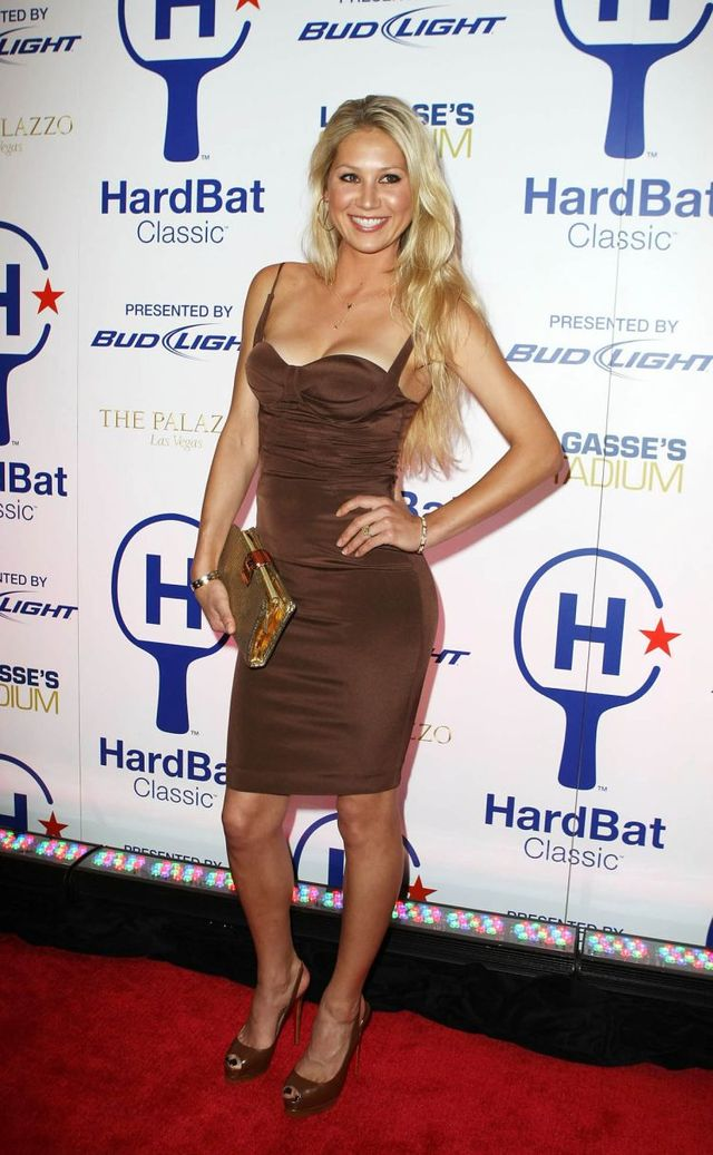 Anna Kournikova at the HardBat Classic VIP after Party (9 pics)