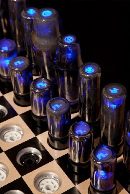 Futuristic chess (5 pics)