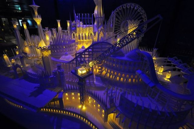 A paper craft castle on the ocean in Tokyo by Wataru Itou (11 pics)