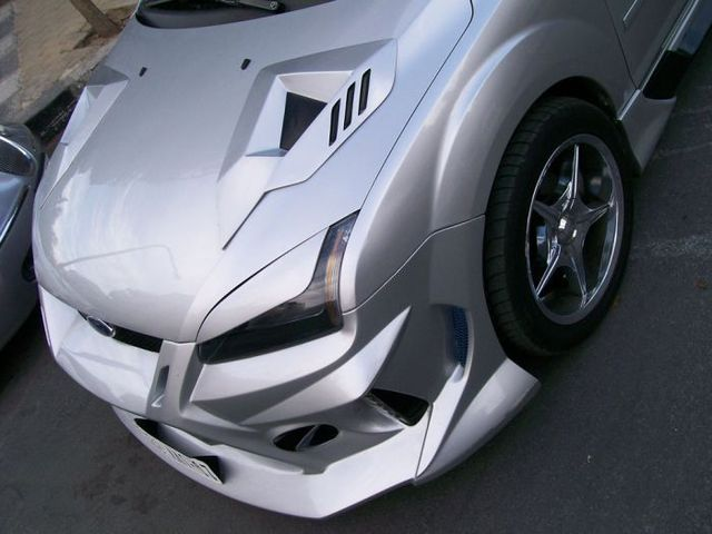 Arabic tuning of a Ford Focus (8 pics)