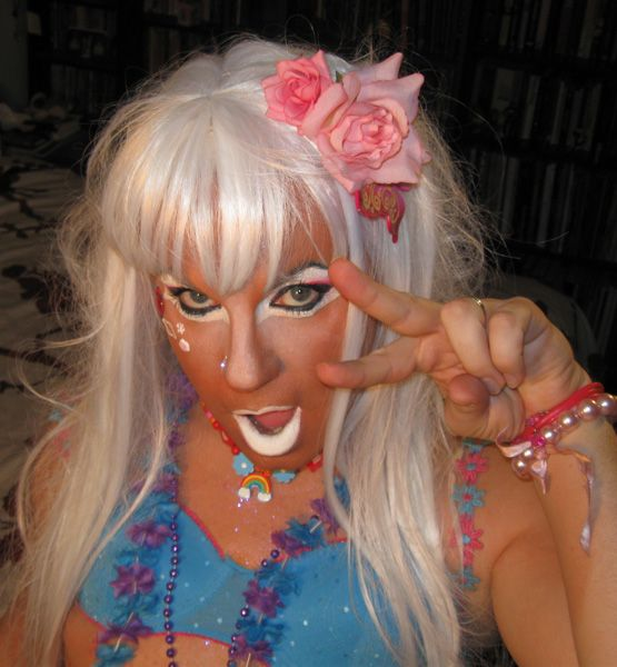 Ganguro is going West! (48 pics+2 videos)