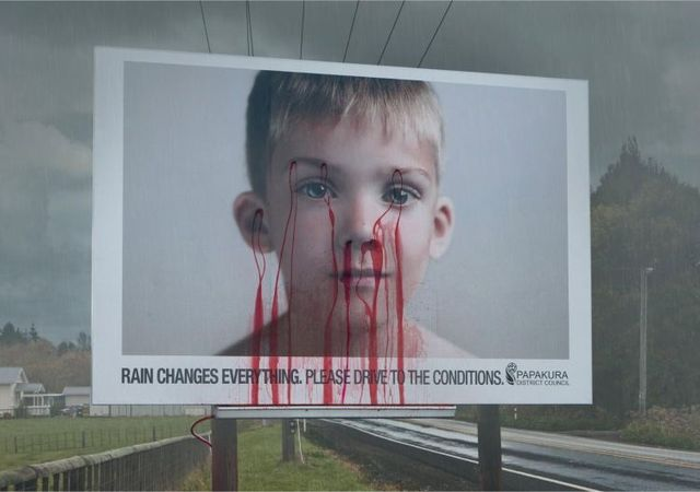 Shocking billboard. Follow the rules of the road. Don't kill others (2 photos+1 video)