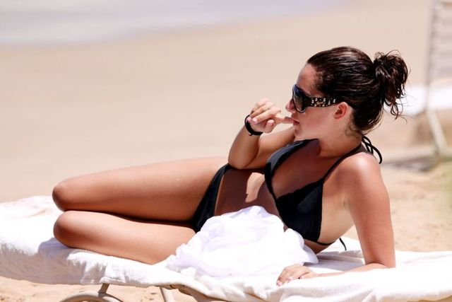 Ashley Tisdale in bikini during her vacation in Maui (7 pics)
