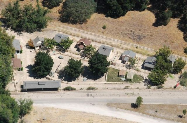 Neverland Ranch - the former home of Michael Jackson (61 pics)