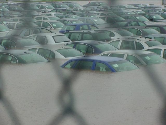 Flooded cars (38 pics)