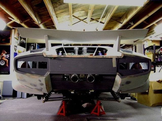 Home made Lamborghini built in 10 years (35 pics)