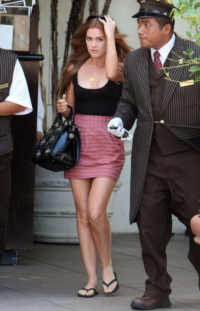 Isla Fisher (9 pics)