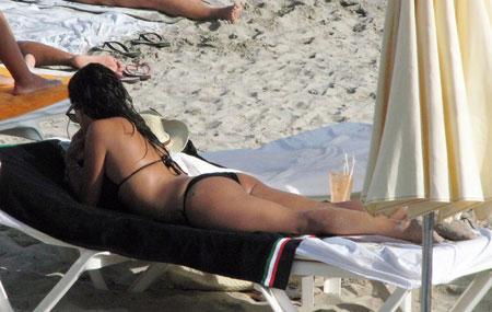 Monica Cruz in a bikini in Ibiza (11 pics)