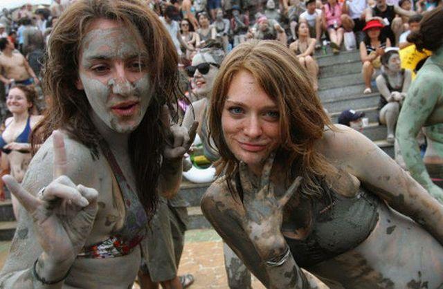 Boryeong Mud Festival 2009 – world's dirtiest festival! (22 pics)