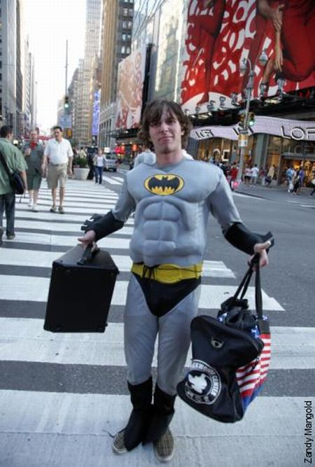 Who's stronger: Cops or Superman? (7 pics)