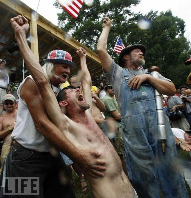 13th annual summer Redneck Games - 2009 (24 pics)