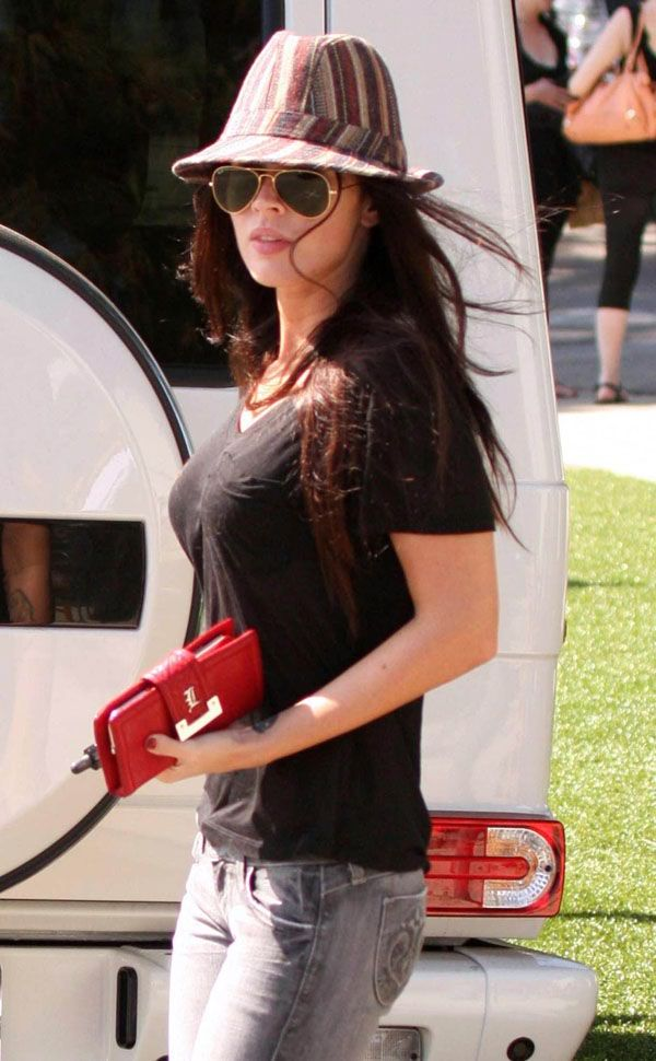 Megan Fox in tight jeans! (8 pics)