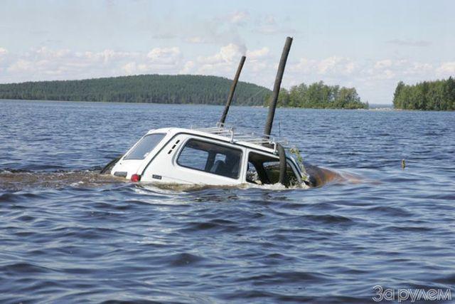 "The ""underwater car"" (36 pics)"