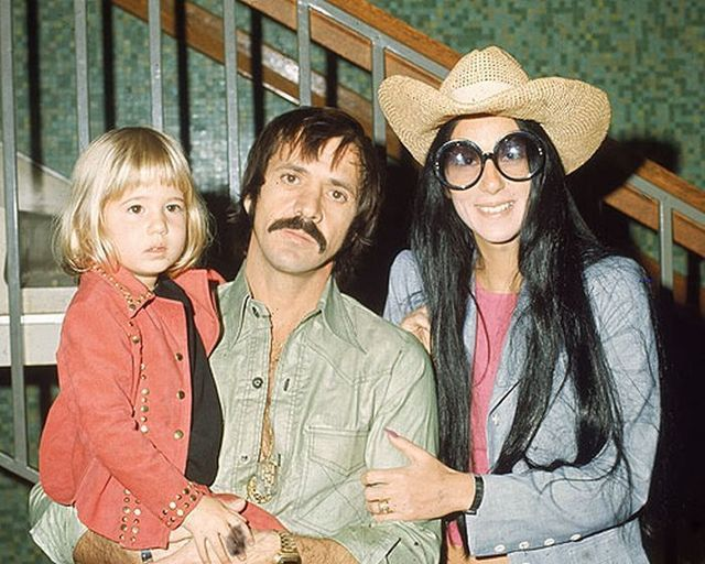Cher's daughter 'Chaz' Bono and her changing with years (17 pics)