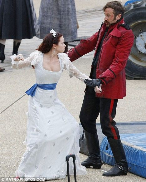 When actresses punch actors! (5 pics)