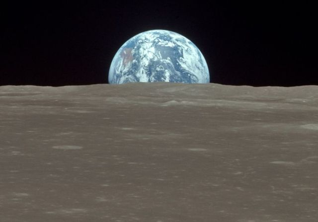 The spaceflight to the Moon (40 pics)