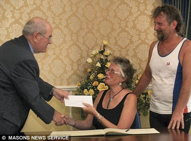 The cheapest wedding ever (3 pics)