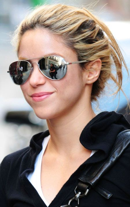 Shakira (9 pics)