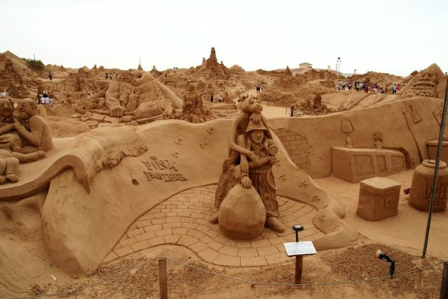 Amazing sand sculptures (22 pics)