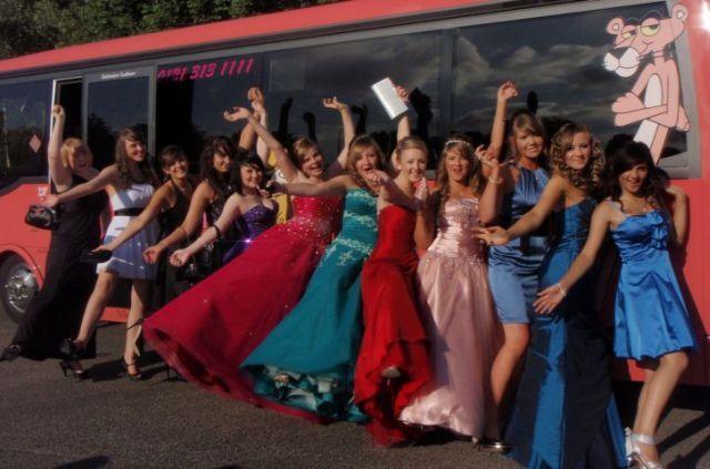 Russia vs. the United States. Whose high-school graduates are cooler? (60 pics)