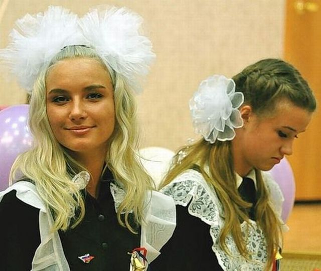 Russia vs. the United States. Whose high-school graduates are cooler? (60 pics)