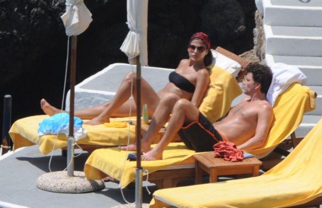 Eva Mendes in bikini (12 pics)