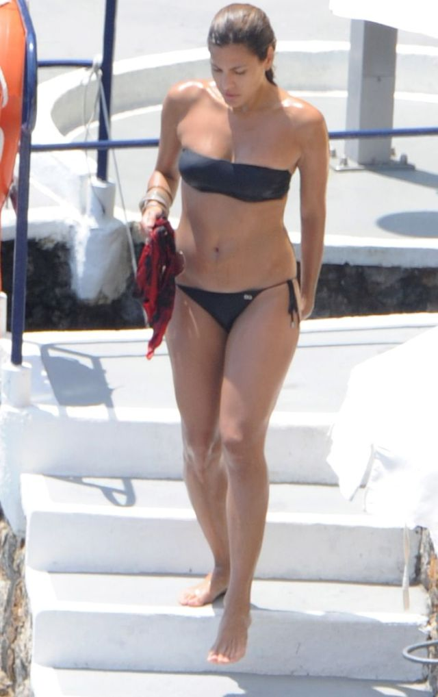 "eva mendes bikini 06 Ashanti – ""Dreams""Ashanti does her best to do justice to this lovely 1983"