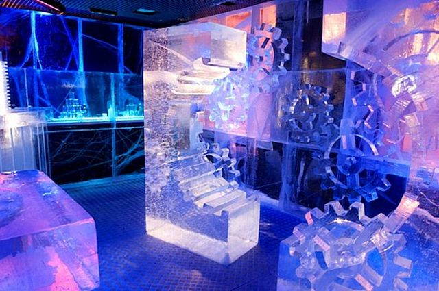 Ice bars around the world (23 pics)