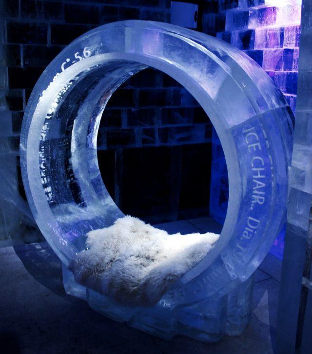 Ice bars around the world (23 pics)