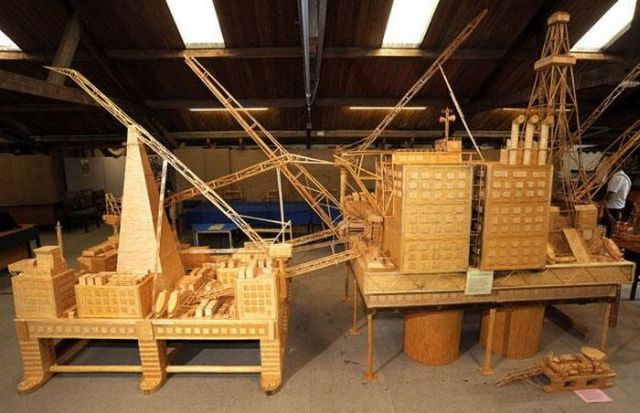 Former oil rig worker spent 15 years making model of oil rig out of four billion matchsticks (14 pics)