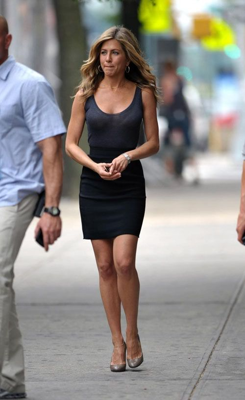 Jennifer Aniston is still hot (8 pics)